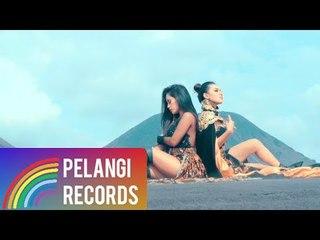 Dangdut - Duo Biduan - Kangen Sayang (Official Music Video)