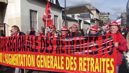 """""""Ave Macron, les vieux auront ta peau !"""" chantaient les retraités dans les rues de Paris ce jeudi..."""
