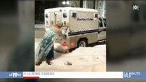 """Buzz : Un homme déguisé en """"Reine des neiges"""" vient en aide à la police bloqué dans la neige - Regardez"""
