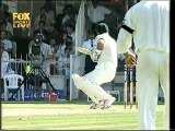 This makes Ricky Ponting The Bravest Batsman in Cricket History. Watch this how Quick Sir Ponting gets ready to face the Next Delivery after Being Hit
