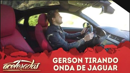 Gerson tirando onda de Jaguar