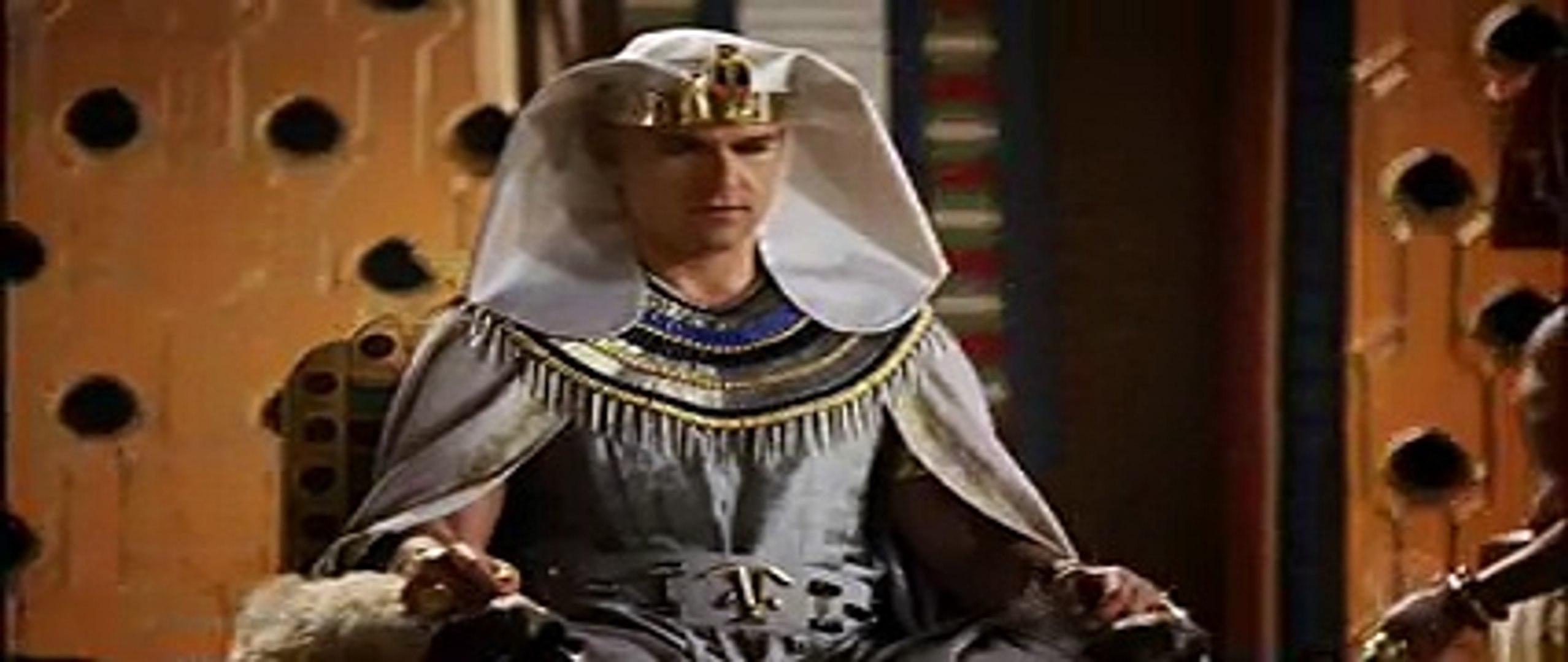 Os dez mandamentos (Capítulo Completo do dia 23/03/18) O último abraço de rei para rei! Moisés: