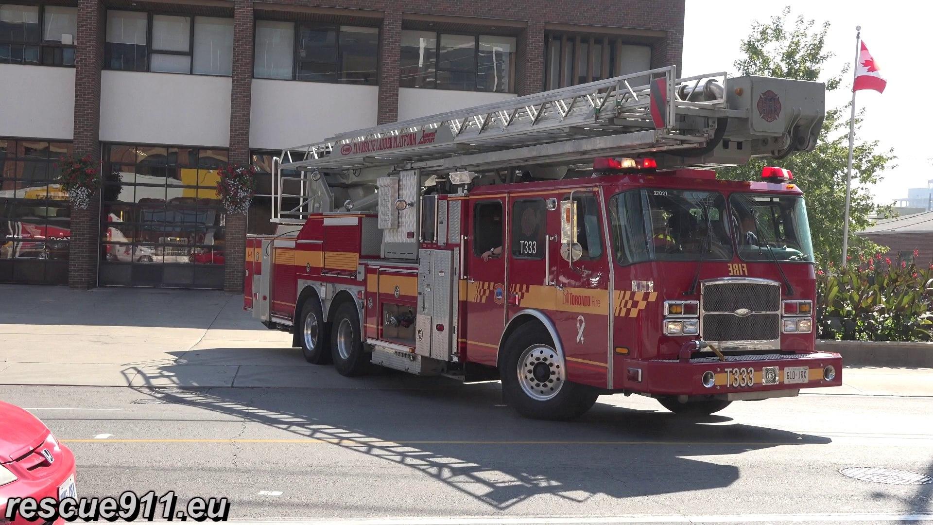 Tower 333 + Pump R5212 (333) Toronto Fire Services