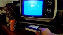 Ce farceur s'est donné beaucoup de mal pour vous piéger avec une vieille VHS