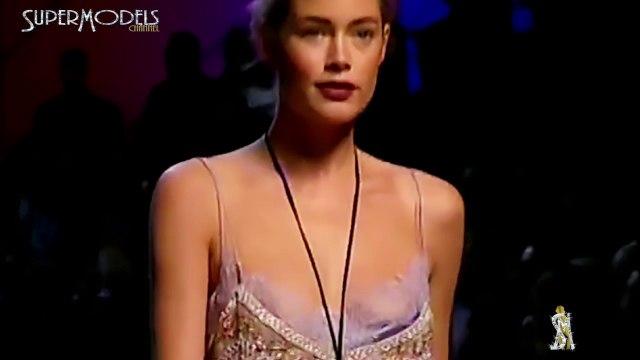 Doutzen Kroes Best moments on catwalk part 2 2006  by SuperModels Channel