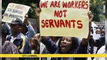 Zimbabwe doctors defy government threat to stop payment over strike