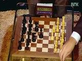 Armando Guedez Rodríguez te comparte a un campeón del mundo de ajedrez le gana a Bill Gates en 79 segundos una partida