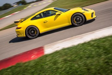Here's What Makes the 2018 Porsche 911 GT3 Manual So Special
