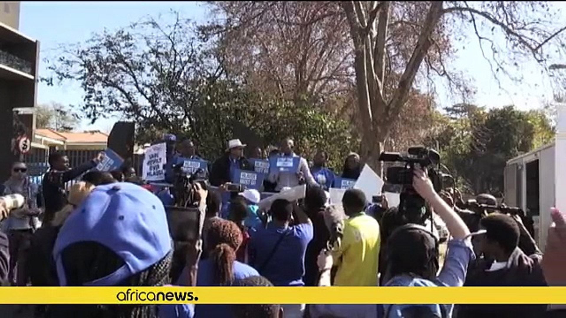 South Africa: SABC journalists threaten news blackout