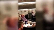 Azafata de vuelo baila el Waka Waka a Shakira en pleno vuelo