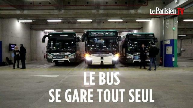 Le bus de la RATP se gare tout seul