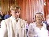 Regis est un beauf et se marie (durée : 15 min)