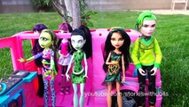 Monster High Toys - Attack of the Titans With Frightfully Tall Dolls Elissabat & Draculaura