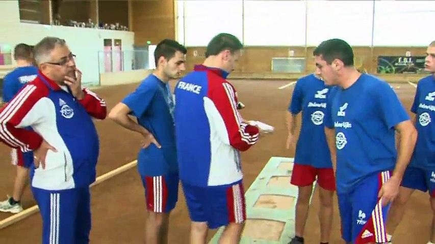 LA REVUE : La revue : Pascal Hernandez/Pdt du com. d'org. du Mondial Jeunes Sport Boules/Martigues | Godialy.com