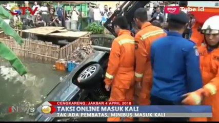 Taksi Online Nyebur ke Kali, Evakuasi Berlangsung Dramatis