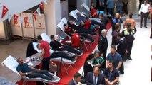 Polisler can kurtarmak için kan verdi