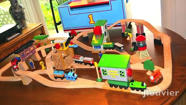 Thomas And Friends LIFT AND LOAD SET Rare Wooden Railway Toy Train Review By Learning Curve