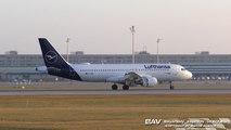 "Airbus A320 Lufthansa ""new livery"" D-AIZC - landing at Munich Airport [2160p25]"