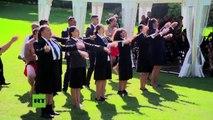 Obama recibe el saludo maorí en Nueva Zelanda