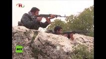 Kurdos combaten en la frontera entre Siria y Turquía