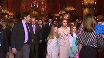 La reina Letizia impide que la reina Sofía se haga una foto con las infantas