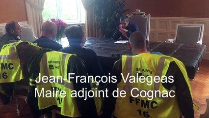 Les motards reçus à la mairie de Cognac