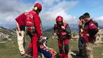 Evacuan en helicóptero al hospital de Arriondas mujer herida en los Lagos de Covadonga, Asturias
