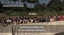 Benedicto XVI y el Papa Francisco inauguran juntos una estatua en los Jardines Vaticanos