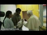 El Papa visita niños enfermos del hospital Gemelli