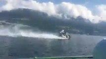 Cette Motocross roule sur l'EAU d'un LAC !!