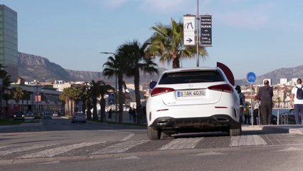 The new Mercedes-Benz A 200 Driving Video