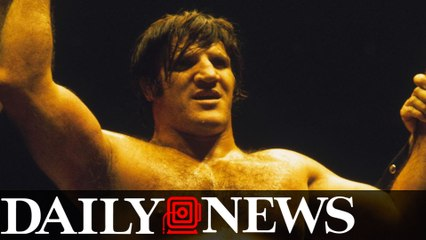 WWE legend Bruno Sammartino dead at 82