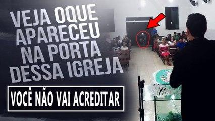 SE NÃO FOSSE FILMADO NINGUÉM ACREDITARIA -DEMÔNIO APARECE NA PORTA DE UMA IGREJA