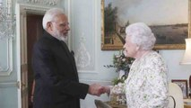 PM Narendra Modi meets Queen Elizabeth at Buckingham Palace; Watch Video | Oneindia News