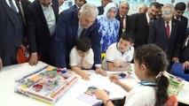 Başbakan Binali Yıldırım, Bahar Yıldırım İlkolkulu ve Hava Yıldırım Anaokulu'nu ziyaret etti