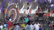 Miles de personas visitan Mega Ofrenda en la Ciudad de México