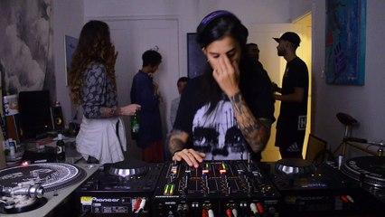 Perrelli DJ Set - Quarto/Fresta