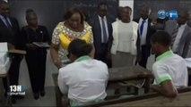 Une délégation de la Fondation Sylvia Bongo Ondimba a procédé à la distribution de moustiquaires imprégnés aux élèves non voyants de plusieurs établissements d'enseignement secondaire de N'toum