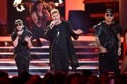 Ricky Martin's 'Fiebre' performance feat. Wisin y Yandel at the Latin Billboard Awards 2018
