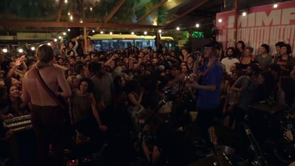 Mac DeMarco - Jaming during free concert in Rio