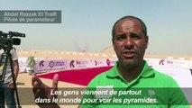 Vol au-dessus des pyramides de Gizeh en Egypte