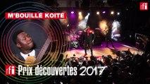 "M'Bouillé Koité interprète ""Mogo Kan"" en live"