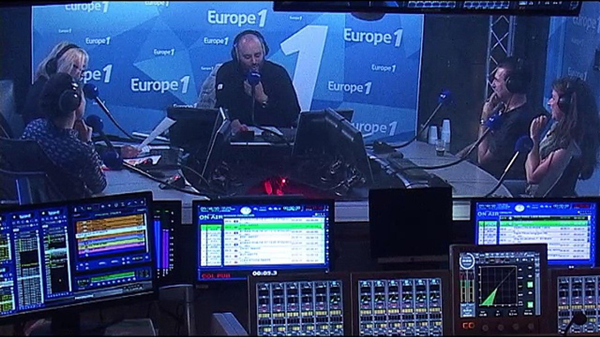 Amanda Lear accompagne Emmanuel Macron en Australie !