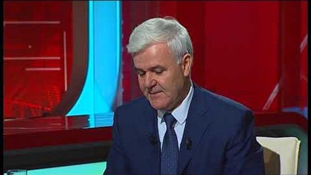 Ora News - Xhafaj rrëfen paktin me gruan e tij përpara se të bëhej ministër