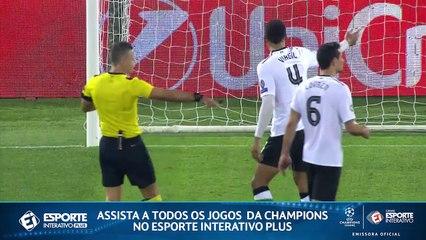 GOL DA ROMA! De pênalti, Nainggolan faz mais um contra o Liverpool!