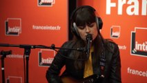 """Clara Luciani reprend """"Come as you are"""" de Nirvana dans Boomerang"""