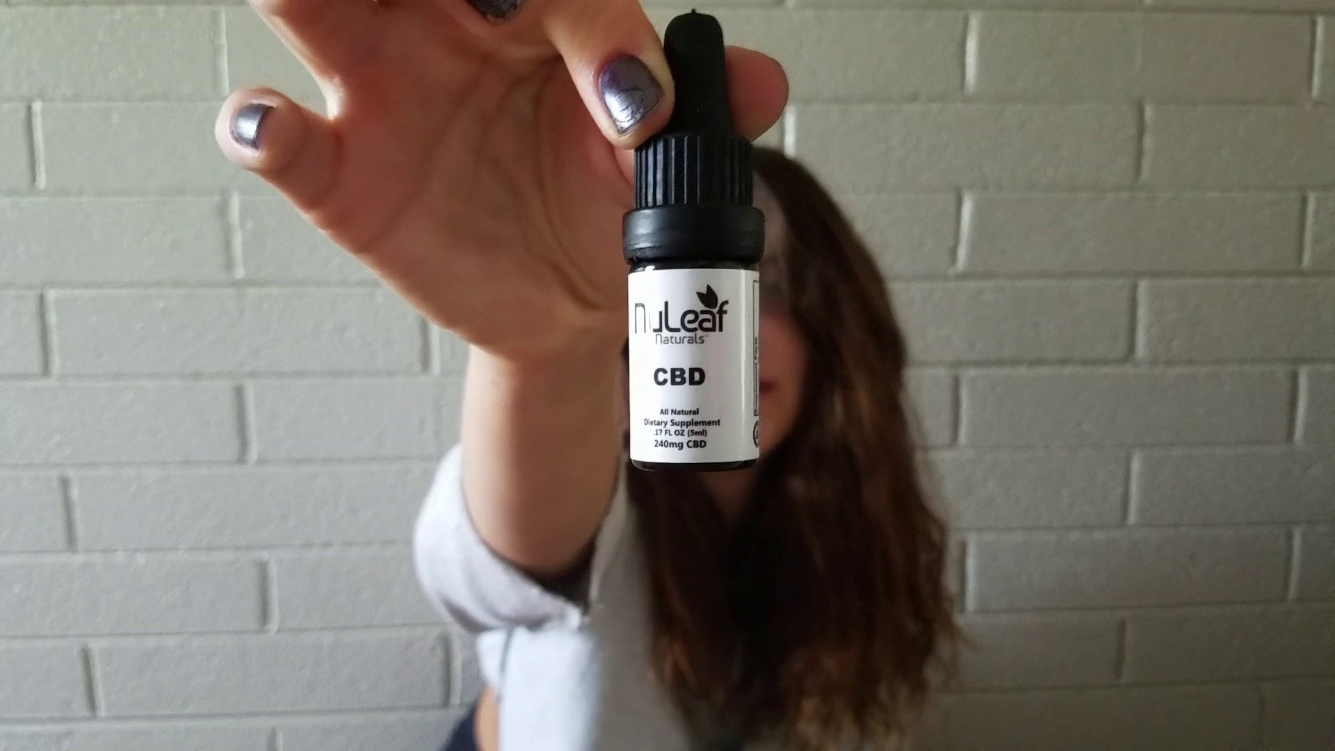 Nuleaf CBD oil VS Elixinol CBD oil