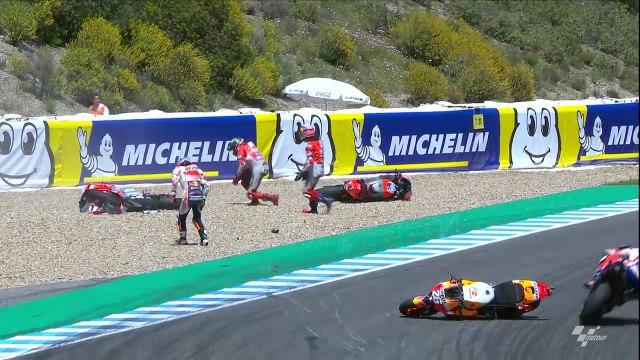 Lorenzo and Dovizioso collide at turn 6 - MotoGP™