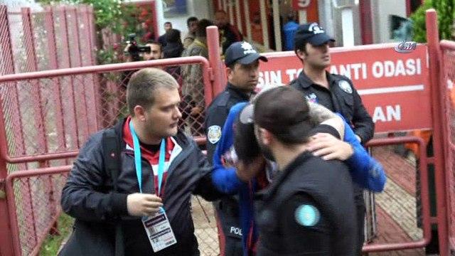 Murat Cavcav'a küfreden iki taraftar gözaltına alındı
