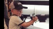 La vidéo de cet enfant américain manipulant une arme fait froid dans le dos